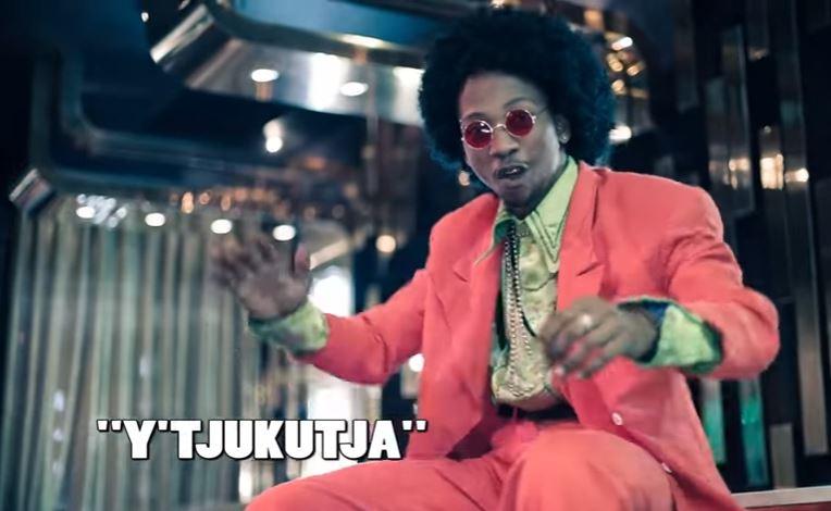 DOWNLOAD MP3 Uhuru ft. DJ Buckz, Oskido, Professor and Uri-Da-Cunha - Y-tjukutja
