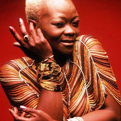 DOWNLOAD MP3 Brenda fassie - Nakupenda