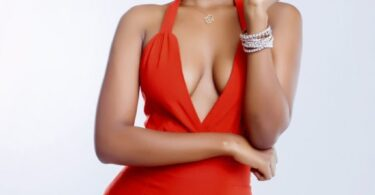 NEW HOT PHOTOS OF HAMISA MOBETTO, SO SEXY AND BEAUTIFUL.